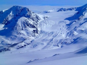 Looking back at Whiteout Glacier meeting Eagle Glacier